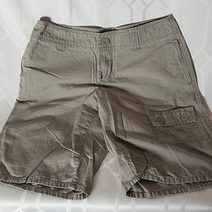 The North Face olive cotton shorts women's size 4
